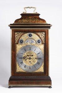 BAROQUE TABLE CLOCK WITH CARILLON