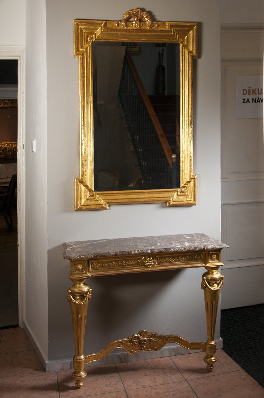 MIRROR AND CONSOLE TABLE
