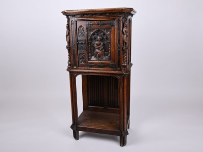 CABINET IN A GOTHIC REVIVAL STYLE