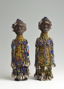 A PAIR OF AFRICAN STATUES
